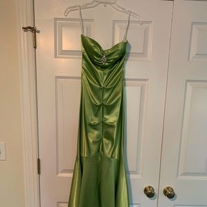 Kelly Green Prom gown